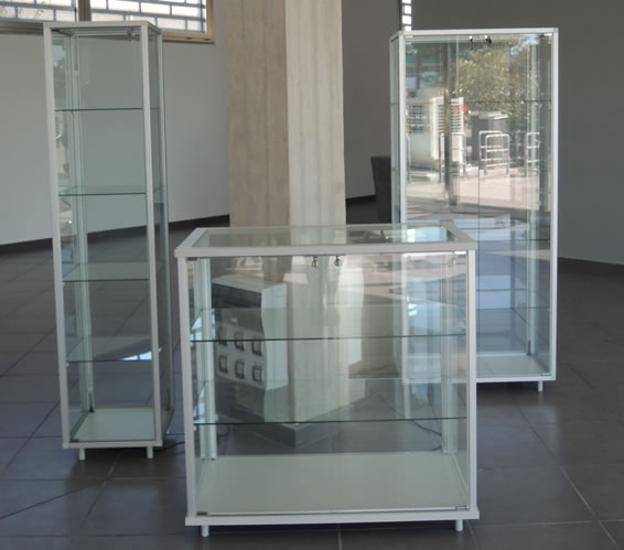 vetrine illuminate arredamento in vetro